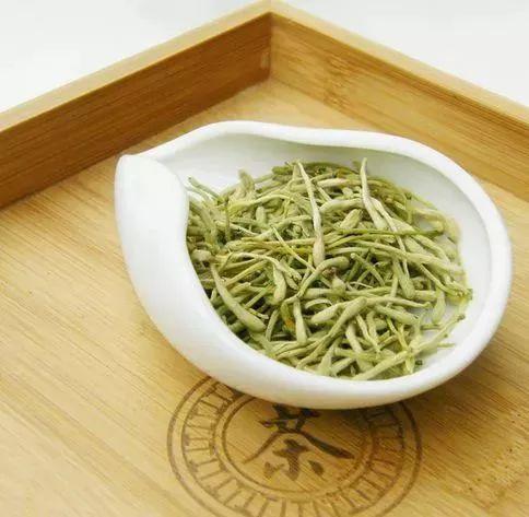 常喝红枣桂圆枸杞茶的女性朋友,皮肤白皙,美容效果不错.